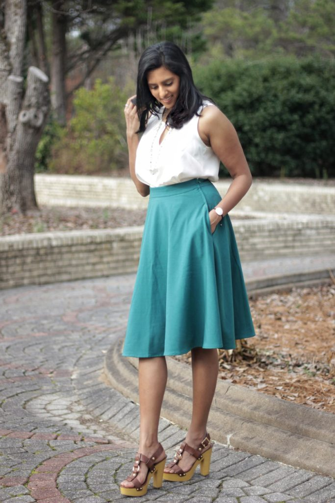 "<img src=""ModCloth-Green-Skirt-pockets5-scaled.jpg"" alt=""Green Midi Skirt with Pockets"">"