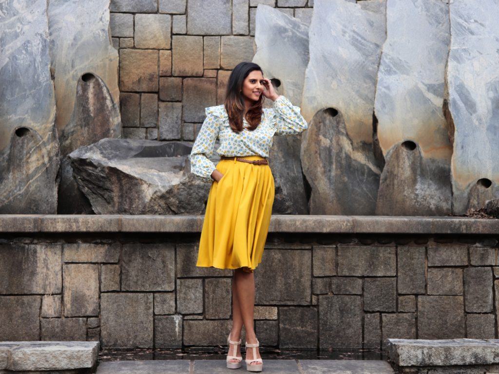 "<img src=""ModCloth-Yellow-Skirt-Pockets2-scaled.jpg"" alt=""Yellow Belted Midi Skirt with Pockets"">"